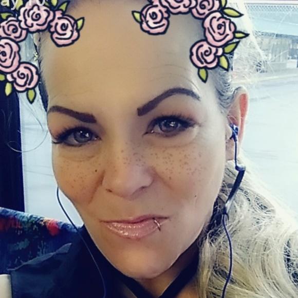Guerlain Makeup Add Me On Youtube Bleedingrainbows88 Poshmark